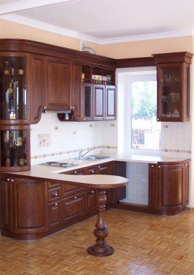 Кухни с деревянными фасадами)