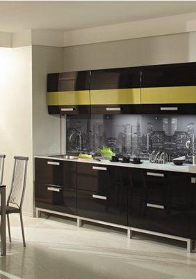 Кухня с крашеными в 2 цвета МДФ фасадами