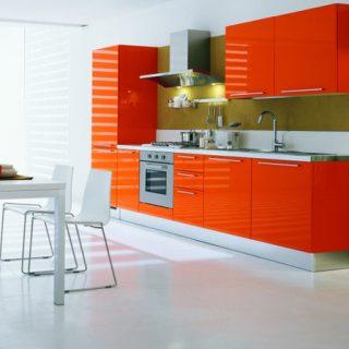 Кухня с глянцевыми крашеными МДФ фасадами