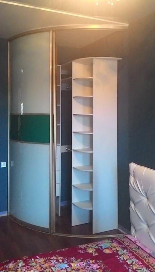 шкаф с радиусными дверями