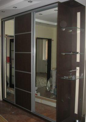 Шкаф-купы с зеркальными деверями