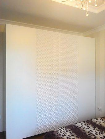 Шкаф с 3D рисунком на дверях (фрезеровкой)