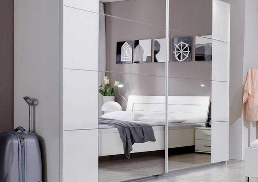 Современный шкаф-купе с зеркальными фасадами