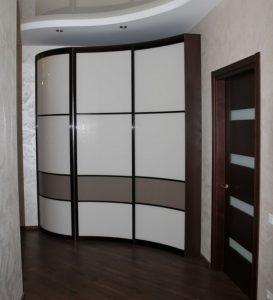 Комбнированные двери радиусного шкафа