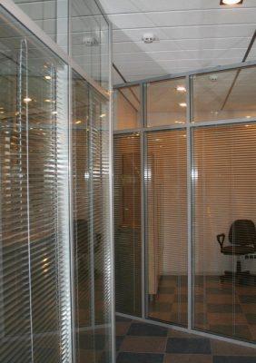 Система офисных перегородок со стеклом
