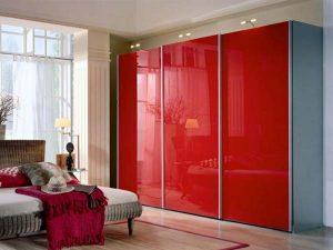 Одноцветный шкаф с крашеным стеклом