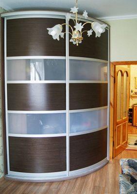Радиусный шкаф-купе  с рисунком