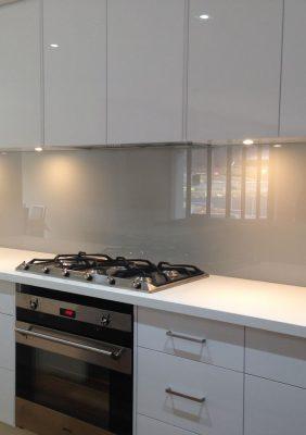 Кухонный фартук с крашеным стеклом