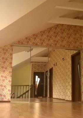 Раздвижные зеркальные двери