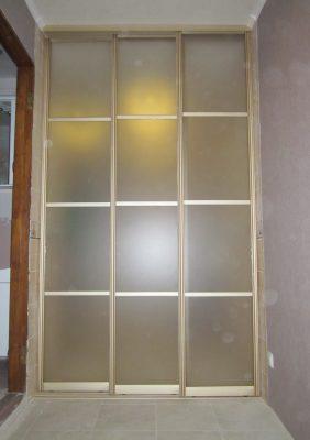 Раздвижные двери на кухню с матовым стеклом