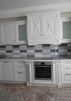 Кухня в классическом стиле с крашеным МДФ