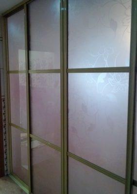 Перегородка межкомнатная со стеклом