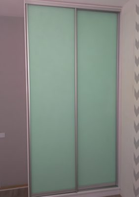 Шкаф с крашеным матовым стеклом